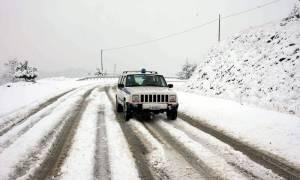 Χιόνια: Ποιοι δρόμοι είναι κλειστοί σε όλη την Ελλάδα και πού χρειάζονται αντιολισθητικές αλυσίδες