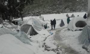Γιατροί Χωρίς Σύνορα: Αβοήθητοι οι πρόσφυγες στο χιόνι και την παγωμένη βροχή
