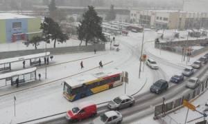 Χιόνια στη Θεσσαλονίκη - ΟΑΣΘ: Δείτε ποια δρομολόγια λεωφορείων δεν εκτελούνται λόγω της κακοκαιρίας