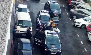 Πανικός στην Ισπανία: Ένοπλος εισέβαλε σε σούπερ μάρκετ φωνάζοντας «Αλλαχού Ακμπαρ»