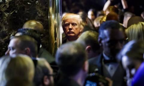 Πρώην πράκτορας της ΜΙ-6 ο άνθρωπος πίσω από το κατασκοπικό θρίλερ με Ρωσία και Τραμπ
