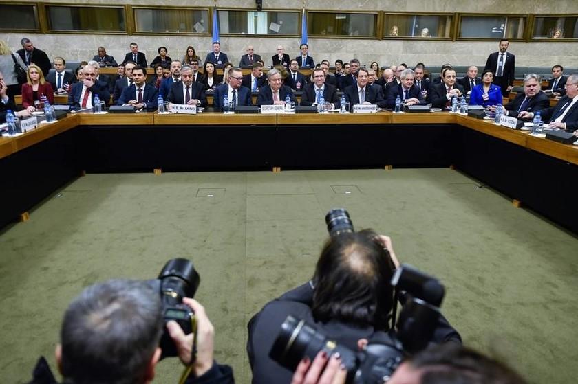 Κυπριακό Live: Η ώρα της αλήθειας έφτασε -  Ξεκίνησε το δεύτερο μέρος των διαπραγματεύσεων