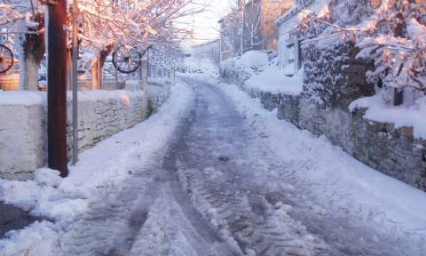 Καιρός: Πρόσκαιρη βελτίωση μέχρι την Κυριακή και από Δευτέρα.... πάλι χιόνια!