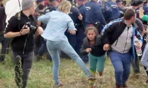 Ποινή φυλάκισης στην εικονολήπτρια για την κλωτσιά σε πρόσφυγες (Vid)