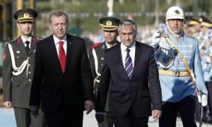 «Ρήγμα» στην Τουρκία για το Κυπριακό: Αποστάσεις Ακιντζί από τον προκλητικό Ερντογάν
