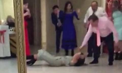 Απίστευτο: Μια αποτυχημένη χορευτική φιγούρα παραλίγο να της κοστίσει τη ζωή! (vid)