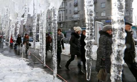 Τουλάχιστον 40 νεκροί από το πολικό ψύχος στην Ουκρανία (video)
