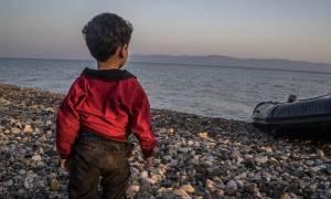 Φωτογραφία που σοκάρει: Προσφυγόπουλο με κρυοπαγήματα στα πόδια