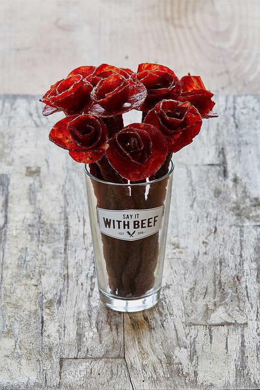 Viral: Όταν ο έρωτας περνάει από το στομάχι πες το με λουλούδια από… μοσχάρι (Pics)