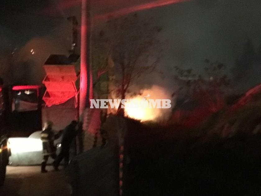 Φωτιά ΤΩΡΑ στον Ταύρο - Ακούγονται εκρήξεις (vid + pics)