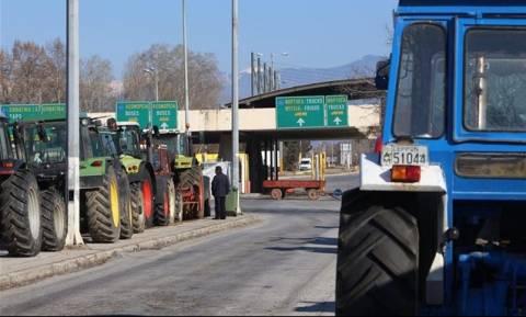Με αντίποινα απειλούν οι Βούλγαροι μεταφορείς τους Έλληνες αγρότες αν κλείσουν μεθοριακές διαβάσεις