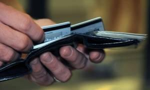 Αλλάζουν όλα στις συναλλαγές με κάρτα