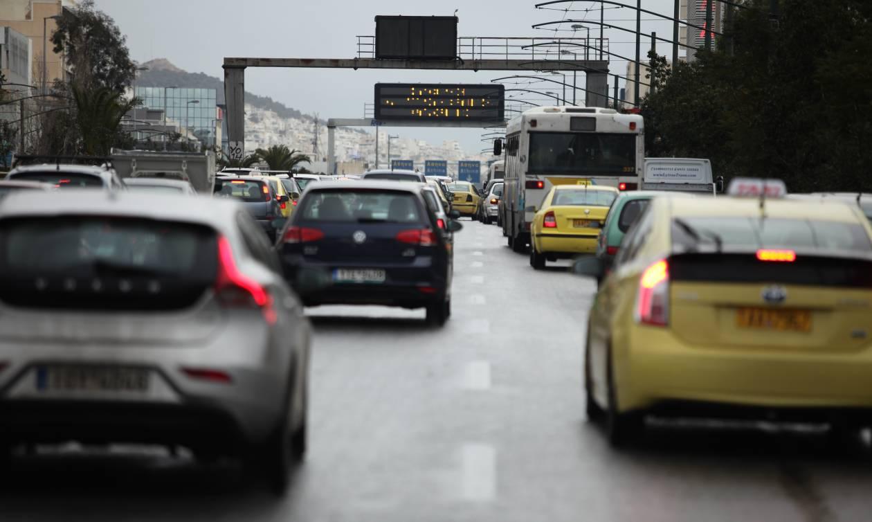 Κίνηση στους δρόμους - Κυκλοφοριακό «έμφραγμα» ΤΩΡΑ στη Μεσογείων
