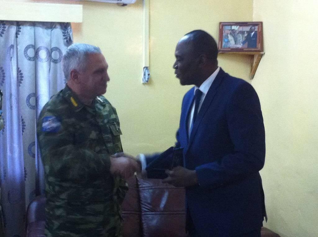 O στρατηγός Κωσταράκος στην Αφρική (pics)