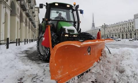 Σε κατάσταση έκτακτης ανάγκης η Ιταλία: Τουλάχιστον 300.000 κάτοικοι χωρίς ρεύμα λόγω χιονιά
