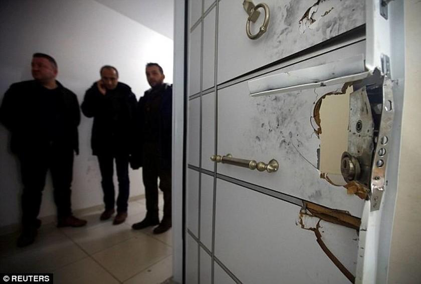 Το μυστηριώδες σημείωμα από το κρυσφήγετο του μακελάρη της Κωνσταντινούπολης (pics)