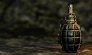 Πάτρα: Βρήκε χειροβομβίδα δίπλα σε κάδο σκουπιδιών