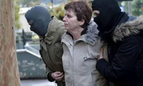 Η Πόλα Ρούπα προσπάθησε να «αρπάξει» όπλο αστυνομικού στη ΓΑΔΑ