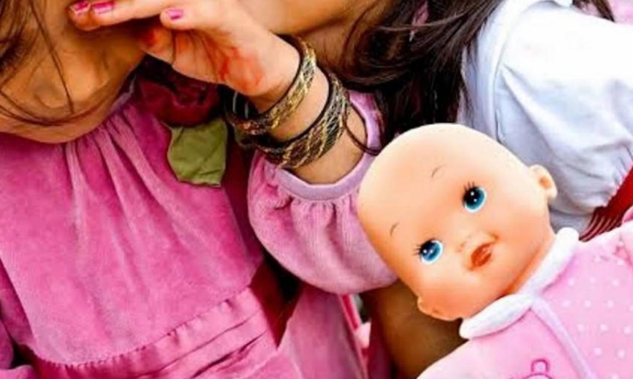 Απίστευτο περιστατικό: Εγκατέλειψαν τρία παιδάκια στην Πάτρα - Κυκλοφορούσαν αγκαλιασμένα στο δρόμο