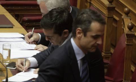 «Βγήκαν μαχαίρια» στη Βουλή: Άγρια κόντρα Τσίπρα - Μητσοτάκη (vids)