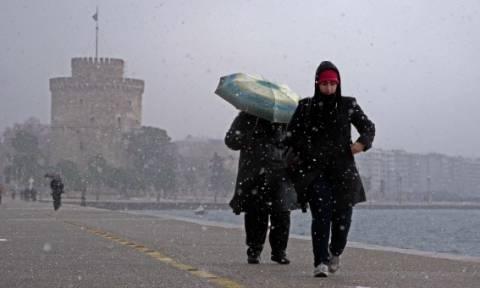 Καιρός Θεσσαλονίκη: Έκτακτα μέτρα για την προστασία ευπαθών ομάδων ενόψει της νέας κακοκαιρίας