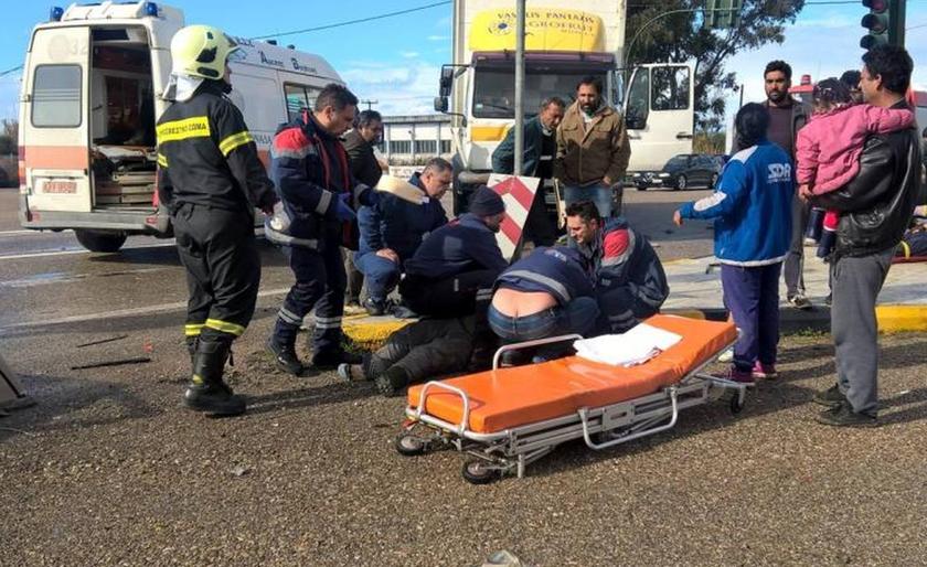 Τρεις νεκροί σε τροχαίο στην Εθνική Οδό Πατρών - Πύργου (Προσοχή: Σκληρές εικόνες)