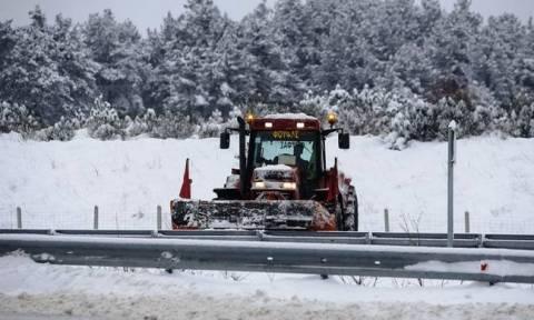 Καιρός: Υποχωρεί ο χιονιάς «Βίκτωρ» - Επιμένουν τα προβλήματα