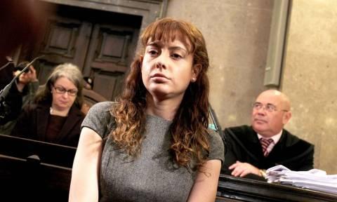 Η «δολοφόνος με τα παγωτά»: Η πιο επικίνδυνη γυναίκα εγκληματίας μεταφέρεται σε ανδρικές φυλακές