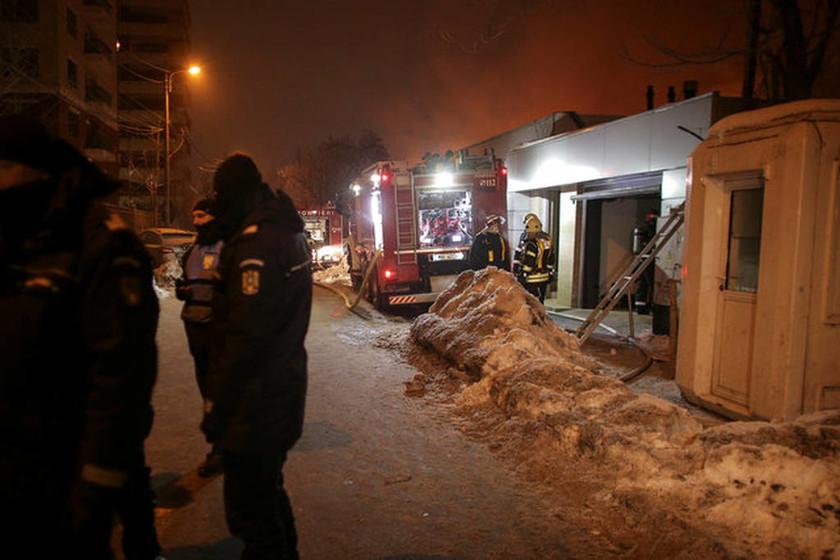 Ρουμανία: Τουλάχιστον 40 τραυματίες από φωτιά σε νυχτερινό κέντρο (pics)