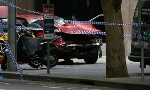Ένα βρέφος τριών μηνών είναι το πέμπτο θύμα του Έλληνα που σκόρπισε το θάνατο στη Μελβούρνη (Vids)