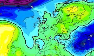 Καιρός: Δείτε στους χάρτες πού θα χιονίσει μέχρι και το Σάββατο. Χιόνι και στην Αθήνα (Photos)