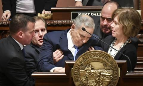 ΗΠΑ: Κατέρρευσε στο βήμα ο κυβερνήτης της Μινεσότα (vid)