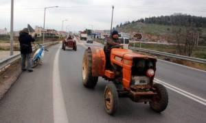 Μπλόκα αγροτών: Εντατικοποιούνται οι κινητοποιήσεις σε όλη την Ελλάδα - Μπλόκα σε κομβικά σημεία
