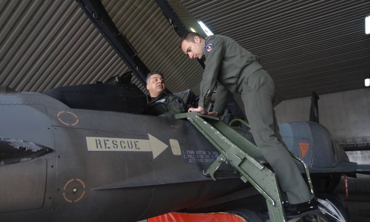 Πολεμική Αεροπορία: Επίσκεψη εκπαιδευόμενων πεζοναυτών Αξιωματικών στην 110ΠΜ (pics)