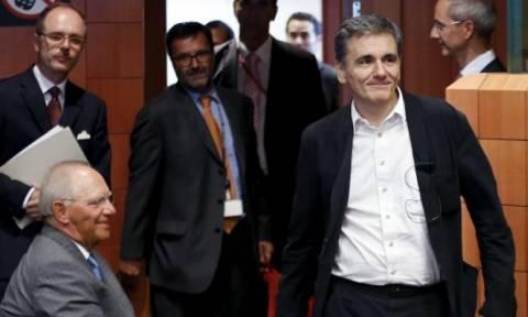 Eurogroup LIVE: Έκτακτη συνάντηση Τσακαλώτου - Σόιμπλε - Άρρωστος ο Τόμσεν