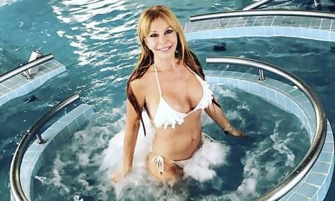 Δεν φαντάζεστε πόσο χρονών είναι αυτή η σέξι γυναικάρα! (video+pics)