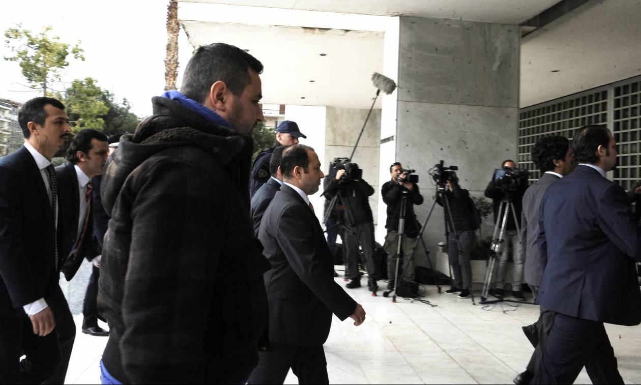Η Τουρκία θα ζητήσει εκ νέου την έκδοση των 8 αξιωματικών