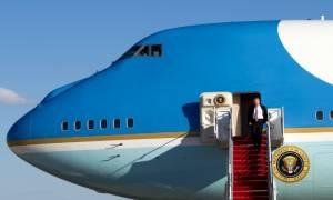Το παρθενικό ταξίδι του Τραμπ με το Air Force One (photos)