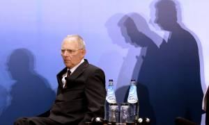 Κλίμα 2015 δημιουργεί ο Σόιμπλε - Θέλει να πετάξει την Ελλάδα εκτός Ευρωζώνης
