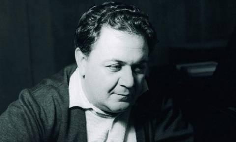 Σαν σήμερα το 1949 ο Μάνος Χατζιδάκις δίνει την περίφημη διάλεξή του για το ρεμπέτικο