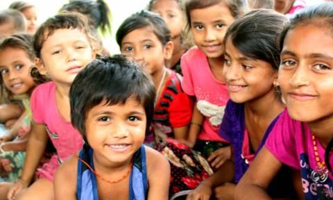 Μεταμορφώνοντας μια κοινότητα: Πριν και μετά το Πρόγραμμα Αναδοχής Παιδιού της ActionAid