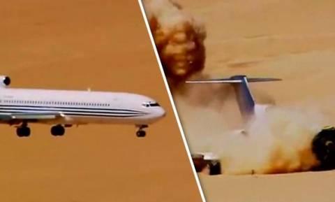 Βίντεο σοκ: Συντριβή αεροπλάνου στην έρημο - Εσείς πού θα κάτσετε την επόμενη φορά που θα πετάξετε;