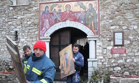 Νέες photo και video από την καμένη μονή της Βαρνάκοβας – Κραυγή αγωνίας του μητροπολίτη Φωκίδος