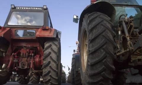 Μπλόκα αγροτών 2017: Έκλεισε η Εθνική Οδός Πατρών - Πύργου