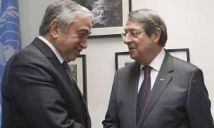 Κυπριακό: Προετοιμασία για συνέχιση Διάσκεψης σε πολιτικό επίπεδο αρχές Μαρτίου ζήτησαν οι 2 ηγέτες