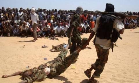 Ενέδρα θανάτου στην Κένυα: Δεκάδες αστυνομικοί νεκροί από επίθεση ανταρτών της Αλ Σεμπάμπ