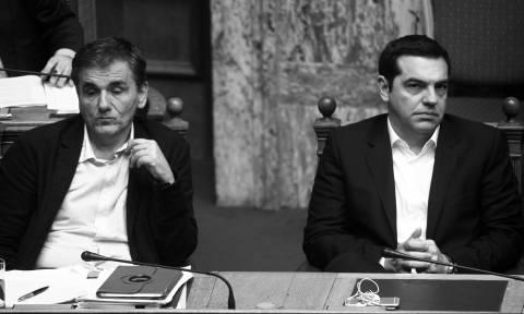 Δεύτερη αξιολόγηση: Η «σιωπή» του Τσακαλώτου και η δυσφορία του Αλέξη Τσίπρα