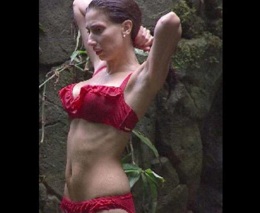 Το πιο… ακατάλληλο ριάλιτι: Κάνουν ντους ολόγυμνες μπροστά στην κάμερα! (vids+pics)