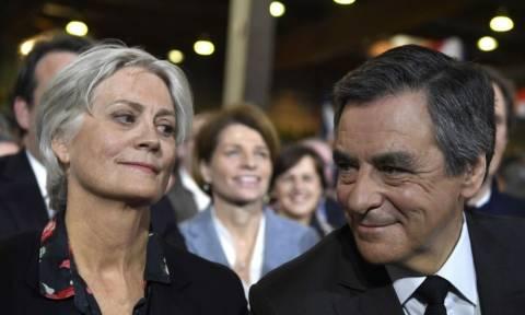 Γαλλία: Το έγγραφο που «καίει» την Πενέλοπε Φιγιόν