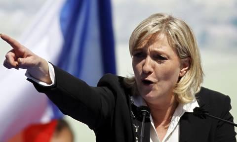 Γαλλία: Μένει πίσω η Λεπέν στην «κούρσα» των προεδρικών εκλογών